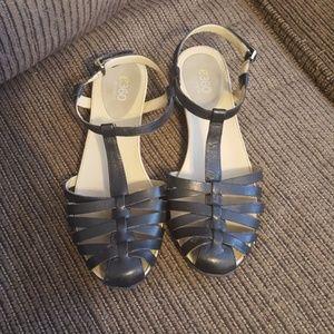 E360 Easy Spirit sandals